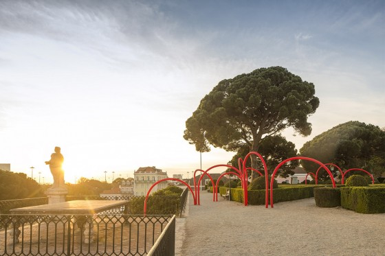LIKEarchitects_Luminous Red Arches_01