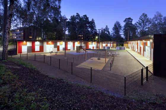 modular-day-care-kulosaari-night-view