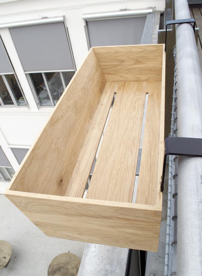le pamphlet objets de bois pour balcon par joelle bourquin. Black Bedroom Furniture Sets. Home Design Ideas