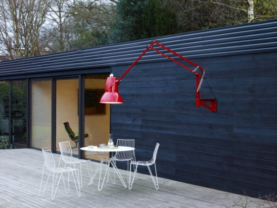 Anglepoise_Original_1227_Giant_Outdoor_Lamp-3-600x450